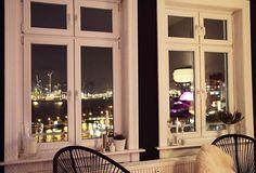 Sofatime  #decoration #details #einrichtung #fenster #germaninteriorbloggers #goodnight #hafen #Hamburg #harbour #hh #home #igershamburg #igershh #instadaily #instadecor #instainteriors #interieur #interieurs #interieurstyling #interior #interiorblogger #interiordecor #interiors #lights #roomwithaview #schönenabend #view #window #wohnung
