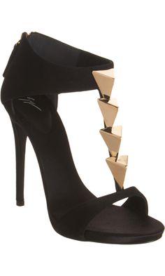 sandale noir et triangle or