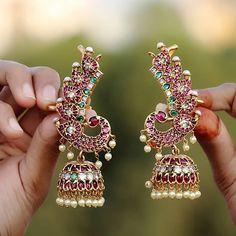 Top 10 Brands To Shop 1 Gram Gold Temple Jewellery Online Jewelry Design Earrings, Gold Earrings Designs, Gold Jewellery Design, Necklace Designs, Jewelry Sets, Diamond Jewelry, Jhumka Designs, Bling Jewelry, Silver Earrings