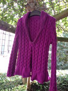 Kabelvest. Patroon is afkomstig uit het blad Vrouw van maart 2014. Gebruikt garen voor het vest is Phildar Partner 3,5 en voor de kraag Phildar Douce.