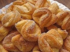 Univerzální tvarohové těsto: Jednoduchý recept na mnoho variant pečení sladkého pečiva. Snack Recipes, Cooking Recipes, Snacks, European Cuisine, Hungarian Recipes, Breakfast Cake, Onion Rings, Baked Goods, Sweet Tooth