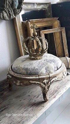 Shabby Chic Decor Easy Tips Tricks - Classy ideas to organize a truly appealing shabby chic home decor rustic Ingenioustips generated on this wonderful day 20181218 , note reference 7506530146 Shabby Chic Bedrooms, Shabby Chic Homes, Shabby Chic Furniture, Shabby Cottage, Interiores Shabby Chic, Muebles Shabby Chic, French Decor, French Country Decorating, Couronne Shabby Chic