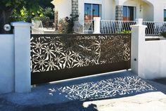 Découvrez des portails, clotures et claustras au design exceptionnel. Découpés au jet d'eau les motifs sont uniques