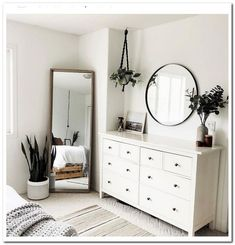 Minimalist bedroom with cheap furniture . Minimalist bedroom with cheap furniture – great bedroom furniture ideas for … Bedroom Updates, Interior, Home Decor, Room Inspiration, Cool Bedroom Furniture, Apartment Decor, Room Decor, Simple Bedroom, Simple Bedroom Decor