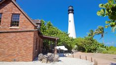 Cape Florida Lighthouse, Great American Road Trip, Places In Florida, Florida Travel, Travel Information, Wonderful Places, Cn Tower, Explore, Building