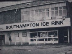 I loved skating there when I was living in Southampton. I believe it closed down 25 years ago - what a shame.