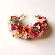 Diadema / tocado de flores preservadas CHARLOTTE - colorful preserved flower crown - headband de margotblanxart en Etsy