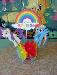 My little pony rainbow centerpiece by PartiesPlus on Etsy My Little Pony Party, My Little Pony Games, Rainbow Dash Birthday, Rainbow Centerpiece, 4th Birthday Parties, Birthday Ideas, 5th Birthday, Rainbow Balloons, Birthday Supplies