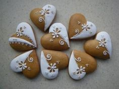 Slovak gingerbread cookies – Valentine's Day Fancy Cookies, Valentine Cookies, Iced Cookies, Cute Cookies, Royal Icing Cookies, Cookies Et Biscuits, Holiday Cookies, Cupcake Cookies, Heart Cookies