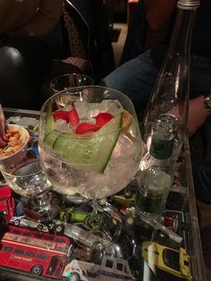 themocsi – a small window to travel enthusiasts, gin lovers, cigar aficionados Mild Cigars, Strong Drinks, Gin Lovers, Best Investments, Window, Tableware, Travel, Dinnerware, Viajes