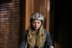 Amanda Seyfried in Nutcase on set of While We're Young Bicycle Helmet, Bike, Amanda Seyfried, On Set, Helmets, Tv, Celebrities, Movies, Fashion