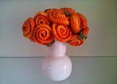 Ramo de Flores a Crochet - Patrón Gratis en Español aquí: http://tejiendoconmax.blogspot.com.es/2014/05/ramo-de-novia-patron-de-flor-sencilla.html