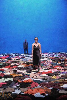 Médée Sylvie Kleiber (Scénographe) , Iguy Roulet (Lumières) , David Scrufari (Création son) Mark Lammert (Scénographie de l'espace Heiner Müller), Lili Auderset (Production) #clothes
