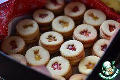 Новогоднее печенье - В Словакии пекут такое печенье на Рождество, поэтому стараются придать ему соответствующий новогодний вид.