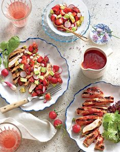 Tangy Strawberry Barbecue Sauce Chicken Cutlet Recipes, Summer Chicken Recipes, Chicken Cutlets, Grilled Chicken Recipes, Recipe Chicken, Chicken Breasts, Strawberry Salsa, Strawberry Dessert Recipes, Strawberry Tarts