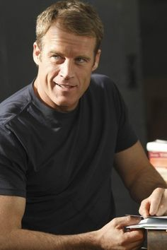 Mark Valley in Human Target Mark Valley, Jackie Earle Haley, Human Target, Boston Legal, Fbi Special Agent, Its A Mans World, Old Tv Shows, Handsome Actors, Interesting Faces