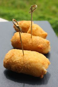 my sweet and savory recipes: Iberian ham croquettes Alberto Chicote Cooking Time, Cooking Recipes, My Favorite Food, Favorite Recipes, Food Porn, Pernil, Spanish Dishes, Fingers Food, Empanadas