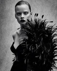 11.7 тыс. отметок «Нравится», 80 комментариев — Patrick Demarchelier (@patrickdemarchelier) в Instagram: «@maevewhalen for @voguechina #June2017 Styled by @danielapaudice Hair by @ward_hair Makeup by…»