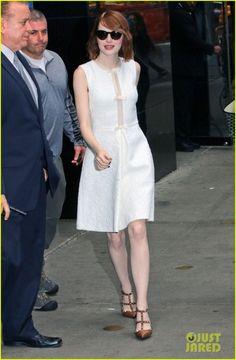 Emma Stone on Good Morning America : Emma kept it super chic and classy wearing a Giambattista Valli dress with contrasting Valentino shoes. Her hair and makeup seems fine. She looked great.