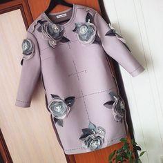 Когда задумывалось это платье, были подобраны ткани для целых двух шикарных вариантов, и мне очень повезло воплотить в жизнь и тот, и другой! #индивидуальныйпошив#стиль #fashion#эксклюзив #эксклюзивно#handmade#своимируками#fashionista #fashionstyle #russiandesigner#details#авторскаяработа#одежданазаказ#назаказ#моднаяодежда#ручнаяработа #details#детали#платье#красивоеплатье#anastasiashtubinadesign