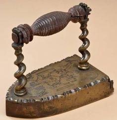 Receitinhas e dicas da vovó Rô: Sobre ferros de passar roupas antigos....