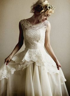 Mireille Silk organza and French lace wedding gown door Leanimal, $3795.00
