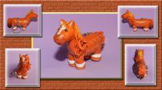 Llavero caballito, basado en la foto de Trebón, un caballo Real... jeje  hecho de fimo