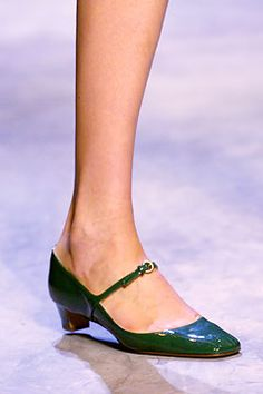 Miu Miu | Spring 2005 Ready-to-Wear Collection | Style.com