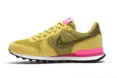 Nike Internationalist WMNS (Peat Moss)