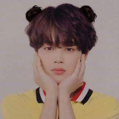 Jimin with space buns ? Seems cute uwu ~ Foto Bts, Bts Photo, Taehyung, Bts Jungkook, Jimin Jungkook, Billboard Music Awards, Park Ji Min, Yoonmin, Jikook