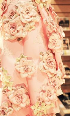 Explore mealisab's photos on Flickr. mealisab has uploaded 11013 photos to Flickr. paper rose flower dress fashion