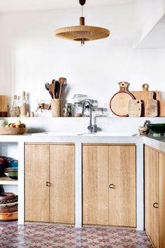 Bauernhaus-Küche 9 Gorgeous Mediterranean Farmhouse Kitchen Designs to Easily Copy What is great abo Kitchen Interior, New Kitchen, Kitchen Decor, Kitchen Wood, Kitchen Cabinets, Boho Kitchen, Kitchen Ideas, Wood Cabinets, Kitchen White
