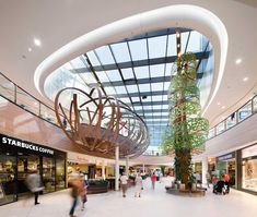 Skyline Plaza, Frankfurt, Germany Interior design for shopping centre arranged over two floors, housing more than 170 shops, alongside a large food court./// by Broadway Malyan: Shopping Mall Interior, Retail Interior, Modern Interior, Mall Design, Retail Design, Lobby Design, Diy Ikea Hacks, Shoping Mall, Atrium Design