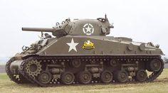 video en acción de tanques