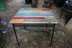 We made this Gorgeous Pallet Table Set with a vintage metal table and chair frame. We started by rescuing a beautiful but neglected vintage metal frame. The table dimensions are 37 x & tall. Gorgeous Pallet Table Set: After sanding a Free Wood Pallets, Recycled Pallets, Wooden Pallets, Wooden Pallet Crafts, Diy Pallet Furniture, Pallet Projects, Wooden Furniture, Ikea Furniture, Furniture Ideas
