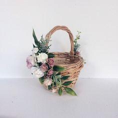 Your place to buy and sell all things handmade - Košíček pro družičky - Rustic Flower Girls, Rustic Flowers, Faux Flowers, Diy Flowers, Flower Decorations, Flowers Garden, Flower Ideas, Rustic Baskets, Wicker Baskets