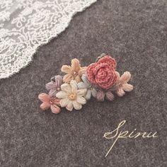 バラとお花のイヤーカフ
