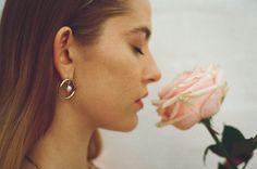Maria Francesca Pepe SS17 'PRINCESS OF PEARLS' FLAT HOOPS WITH PEARL CHARMS Charms, Feminine, Pearl, Drop Earrings, Flat, Princess, Learning, Random, Style