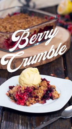 Crumbles are one of the easiest dishes you can prepare for either breakfast or even dessert. It takes no more than 10 minutes to have it all ready and placed in the oven.