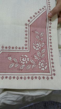 Needlepoint Stitches, Needlework, Blackwork Embroidery, Bargello, Cross Stitch Flowers, Hobbies And Crafts, Bed Sheets, Decoupage, Alphabet