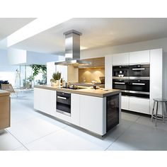 Looking for a range of Miele Appliances for your kitchen? We offer wide range of high quality Miele Kitchen Appliances. Built In Kitchen Appliances, Kitchen Appliance Storage, Kitchen Cabinets, Beautiful Kitchens, Cool Kitchens, Island Cooker Hoods, Kitchen Island With Cooker, Island Hood, Kitchen Extractor