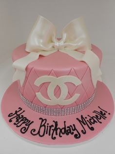 Pink Chanel Cake--could do Tiffany's box too Chanel Cake, Chanel Party, Pretty Cakes, Beautiful Cakes, Amazing Cakes, Cupcakes, Cupcake Cakes, Michael Kors Cake, Birthday Cake Girls