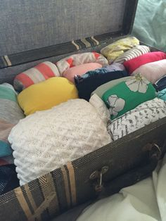 Decluttering Day 2: Master Bedroom Closet Part 2 – Let Them Eat Crayons  #declutter#mariekondo#konmari#40bags40days#eatcrayons  www.letthemeatcrayons.com