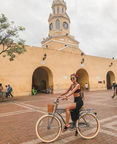 A Guide to Cartagena Photography Poses, Travel Photography, Colombia Travel, Cuba Travel, Foto Pose, Vacation Outfits, Amazing Nature, Travel Style, Travel Photos