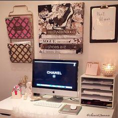 """326 Likes, 18 Comments - T R I N A  (@iheart3naaa) on Instagram: """"my desktop setup! #deskorganization #desktop #deskdecor #desksetup #desk #desktour…"""""""