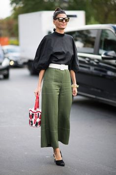 10 pictures that prove Giovanna Battaglia is the queen of street style - HarpersBAZAARUK it is Milan Fashion Week, after all Mode Outfits, Casual Outfits, Fashion Outfits, Womens Fashion, Fashion Trends, Milan Fashion, Paris Fashion Weeks, Fashion Capsule, Look Fashion