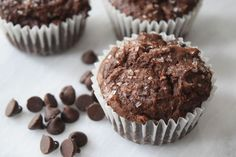 The BEST Chocolate Banana Muffins you'll ever eat. This easy small-batch recipe makes 5 muffins. You just need one ripe banana and one bowl, and you can be pulling these out of your oven in less than half an hour. Double Chocolate Chip Muffins, Apple Cinnamon Muffins, Muffin Tin Recipes, Savory Muffins, Best Chocolate, Chocolate Chips, Vegetarian Chocolate, Perfect Breakfast, Breakfast Ideas