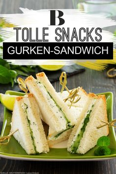 Would you like a sandwich? The vegetarian sandwiches with cucumber and sour chees Popeyes Chicken Sandwich Recipe, Popeyes Fried Chicken, Spicy Chicken Sandwiches, Fried Chicken Sandwich, Cucumber Sandwiches, Sandwiches For Lunch, Vegetarian Sandwiches, Vegetarian Recipes, Sandwich Vegan