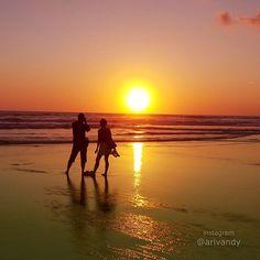 instagram@arivandy | A couple at sunset, romantic love ❤️❤️  Seminyak Beach Bali