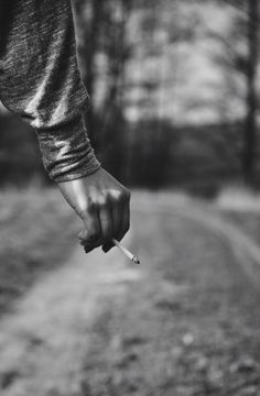 Hand'n'cigarette